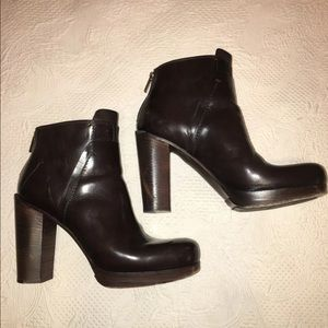 Costume National Boots size 8